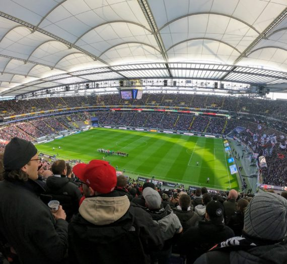 Eintracht : FC Augsburg